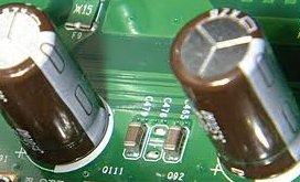 電解コンデンサ4